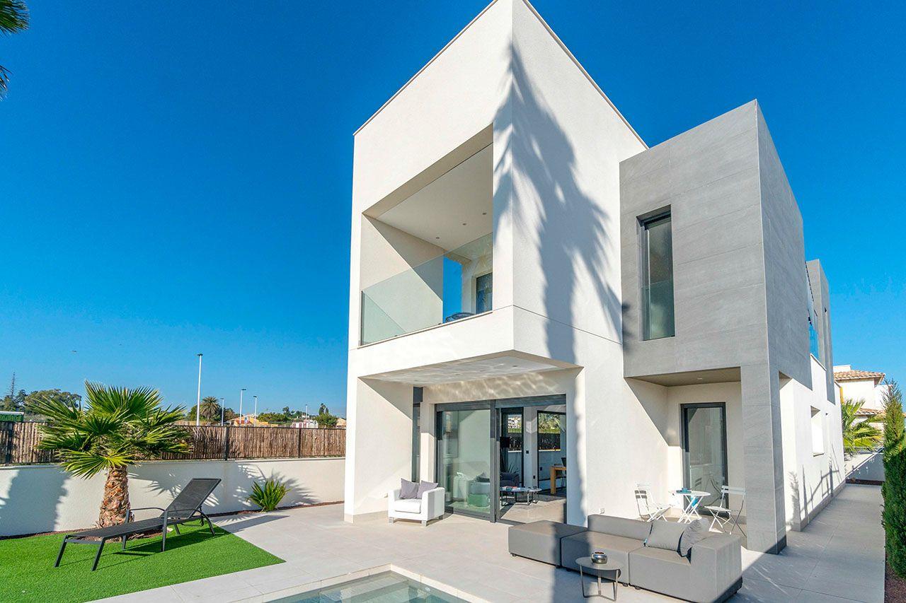 Ref:HA-MAN-245-E03 Villa For Sale in La Marina